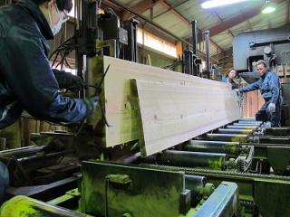 日光産杉階段材・カウンター材製材2