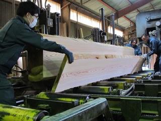 日光産杉階段材・カウンター材製材3